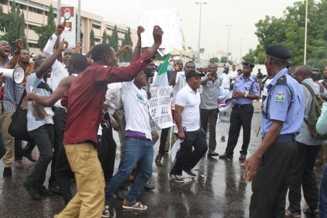 Police Teargas Polytechnic Protesters in Abuja 2 bella Naija
