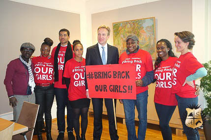 Børge Brende with Bring Back Our Girls Supporters