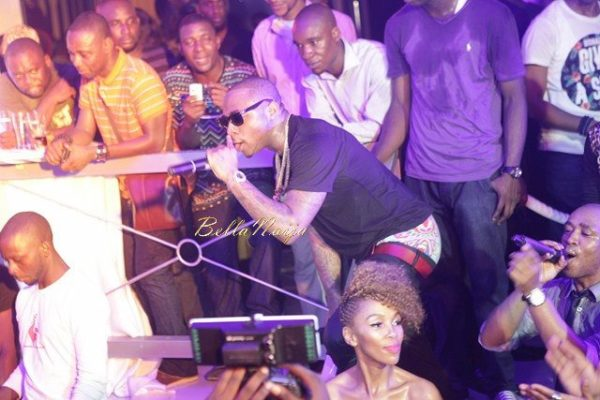 Err...Davido your pants are...