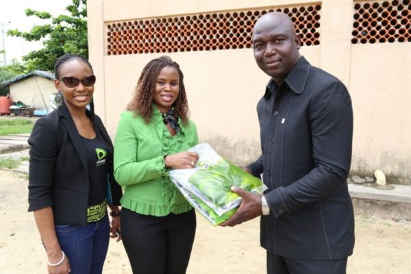 Nigerian Idol Contestants Plant a Tree - BellaNaija - May2014009