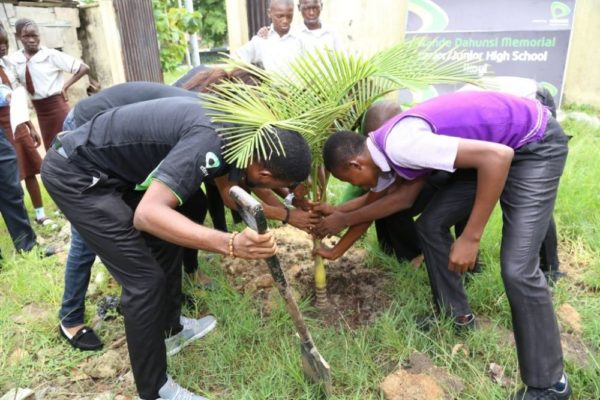 Nigerian Idol Contestants Plant a Tree - BellaNaija - May2014010