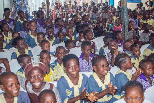 Buyology.com Childrens Day Celebration in Makoko - BellaNaija - June2014010