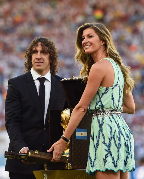 Former Spanish international Carles Puyol and model Gisele Bundchen
