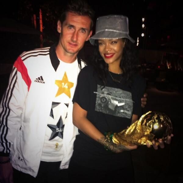 Rihanna World Cup1