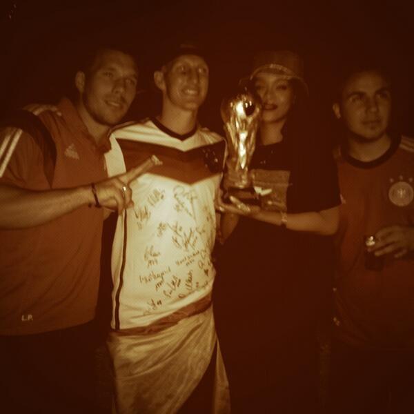 Rihanna World Cup2