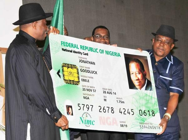 Jonathan unveils E-ID Card- August - 2014 - BellaNaija003
