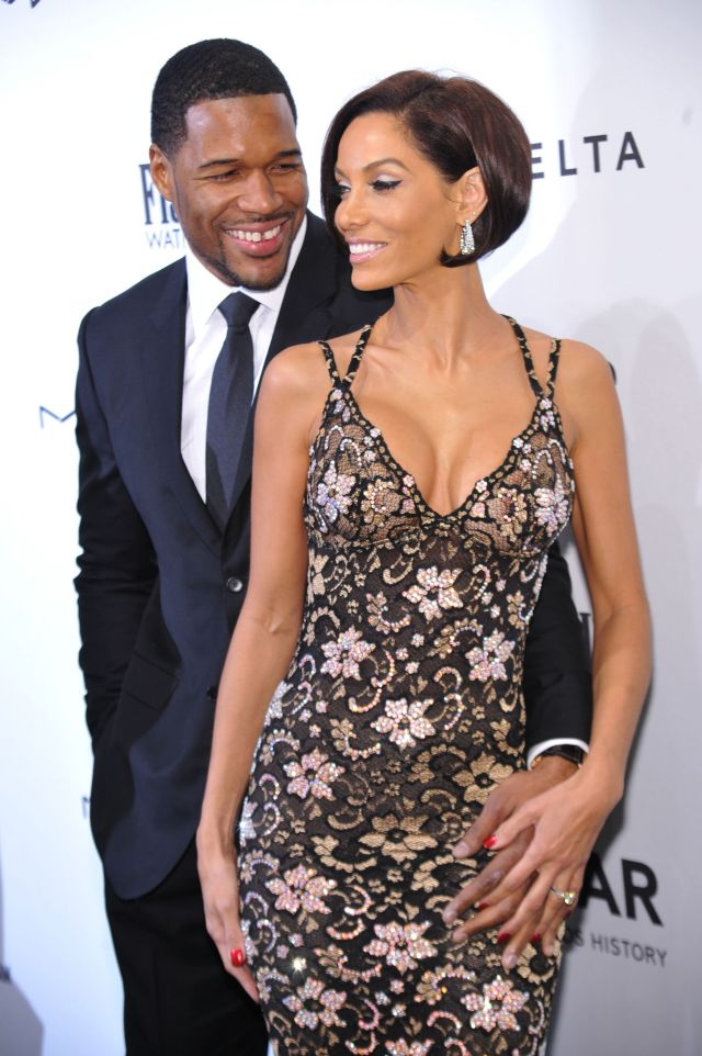 strahan black personals Her five-year engagement with nfl player michael strahan came to a on with her life without strahan dressed in black lycra spark dating rumors with cozy.
