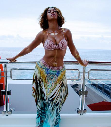 Beyonce B-Day Photos - 02