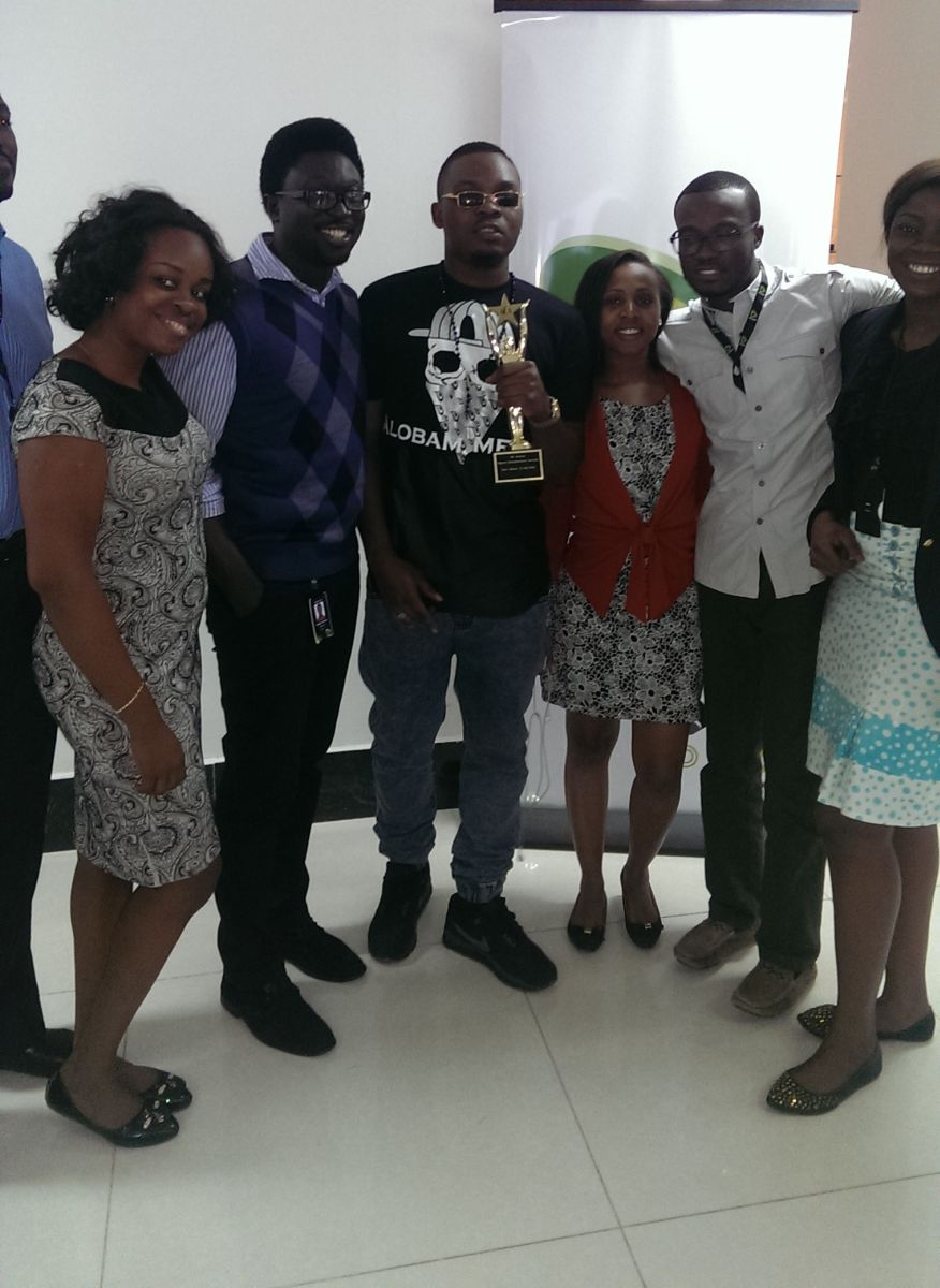 Olamide celebrates NEA Win with Etisalat Office - Bellanaija - September2014001