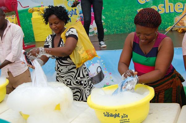Sunlight Detergent Community Wash Campaign - Bellanaija - September 2014 (1)