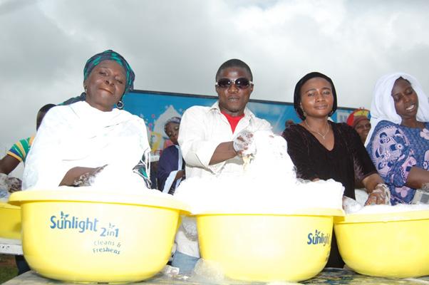 Sunlight Detergent Community Wash Campaign - Bellanaija - September 2014 (2)