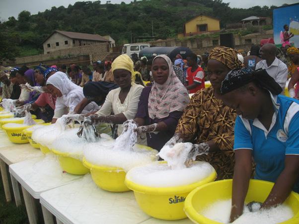Sunlight Detergent Community Wash Campaign - Bellanaija - September 2014 (4)