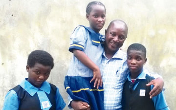Adepegba-with-his-children-360x225