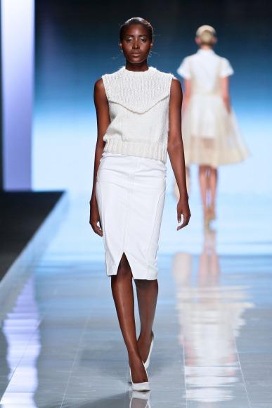 Elle-Rising-Star-Winner-MBFWAfrica-October2014-BellaNaija005