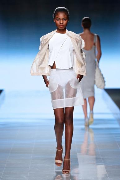 Elle-Rising-Star-Winner-MBFWAfrica-October2014-BellaNaija008