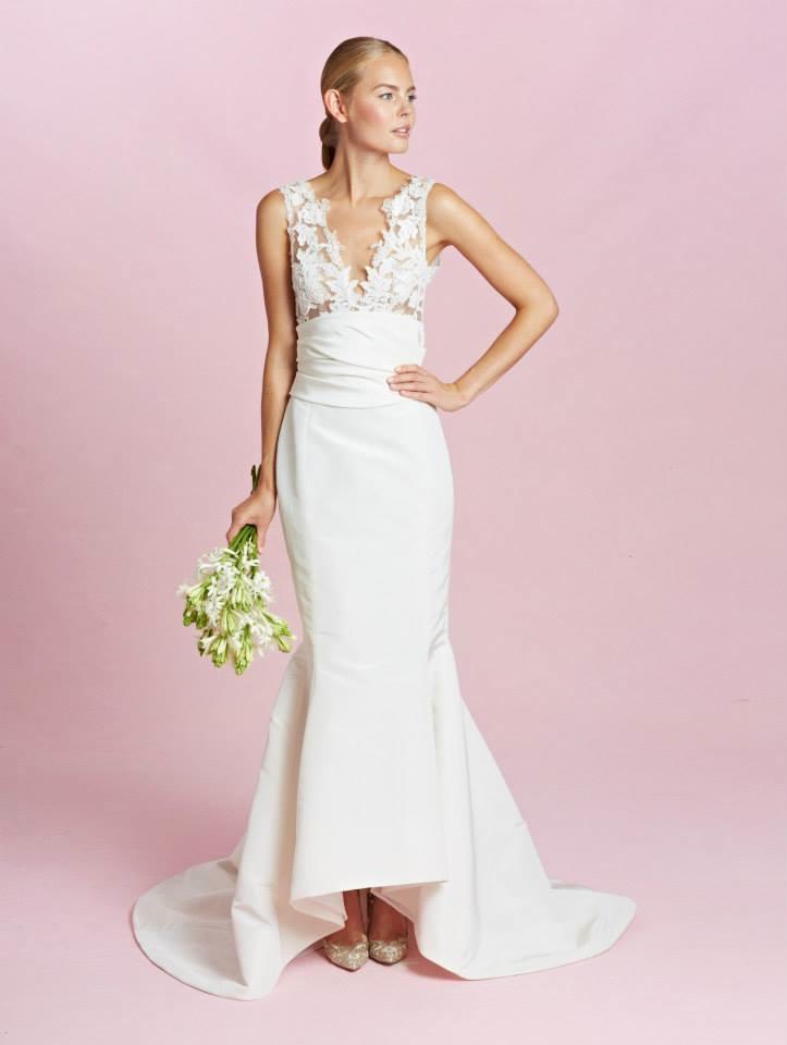 Bn bridal oscar de la renta fall 2015 for Oscar de la renta lace wedding dress