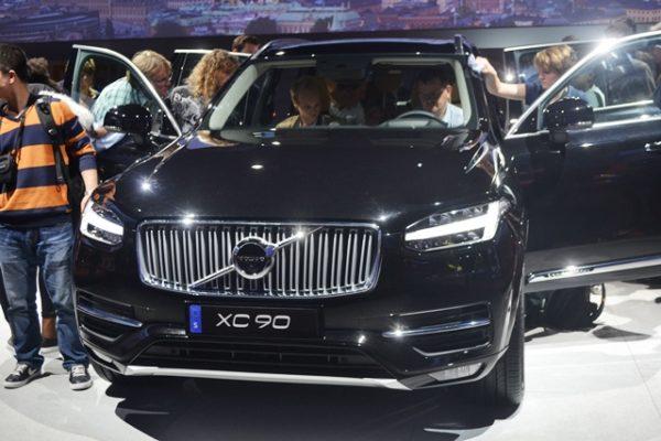 Volvo XC90 (1)