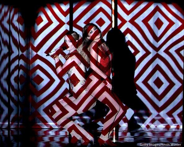 2014-American-Music-Awards-Performance-November-2014-BellaNaija010