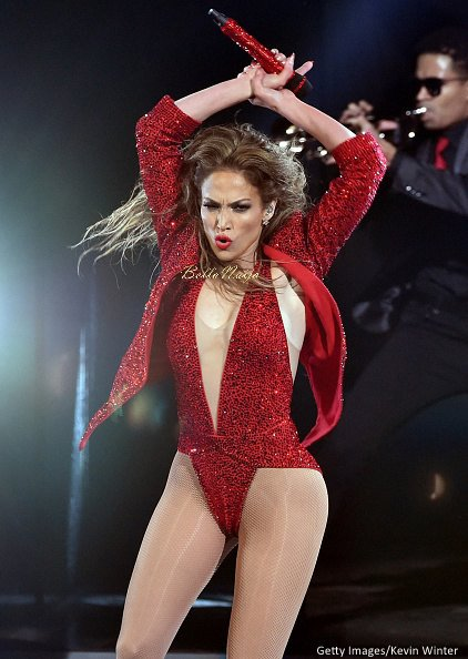 2014-American-Music-Awards-Performance-November-2014-BellaNaija012