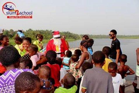 Ali-Baba-Slum2School-Charity-Tour-December-2014-BellaNaija001