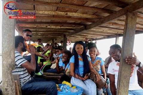 Ali-Baba-Slum2School-Charity-Tour-December-2014-BellaNaija002