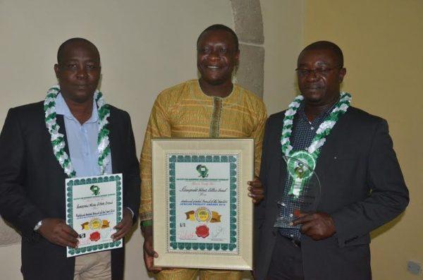 Alomo Bitters bags Medicinal Herbal Drink Award for Year 2014 - BellaNaija - December 2014001