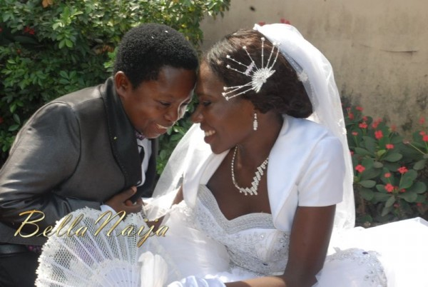 Chinedu-Aki-Ikedieze-Nneoma-Nwaijah-White-Wedding-December-2011-BellaNaija-188-600x402