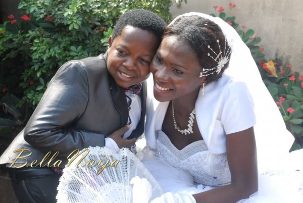 Chinedu-Aki-Ikedieze-Nneoma-Nwaijah-White-Wedding-December-2011-BellaNaija-189-600x402