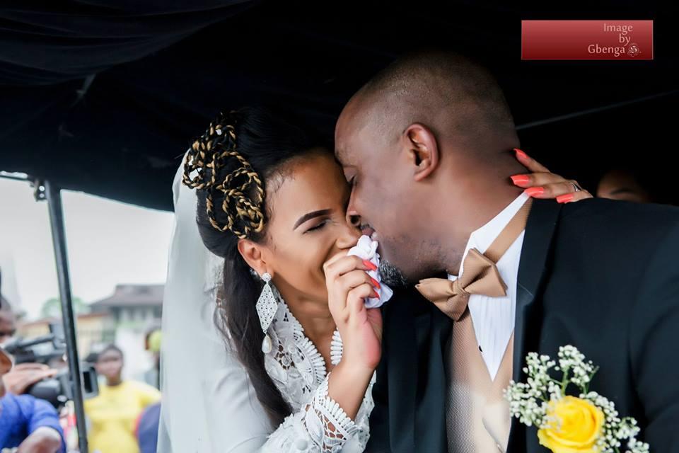 Ibinabo Fiberesima's White Wedding - December 2014 - BellaNaija.com 09