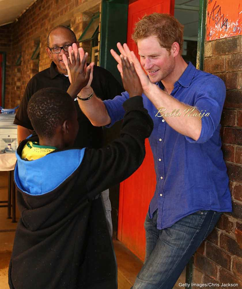 Aww Prince Harry Tries His Hand At Cooking Baking Amp More