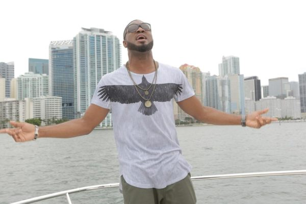 Behind-The_Scene Photos From Praiz's 'Heartbeat' video shoot (31)