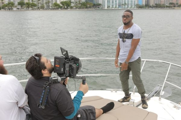 Behind-The_Scene Photos From Praiz's 'Heartbeat' video shoot (35)