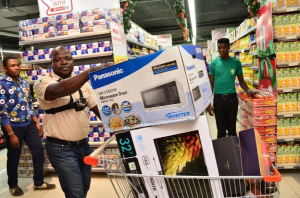 December Shopping Dash at Shoprite - Bellanaija - January2015018