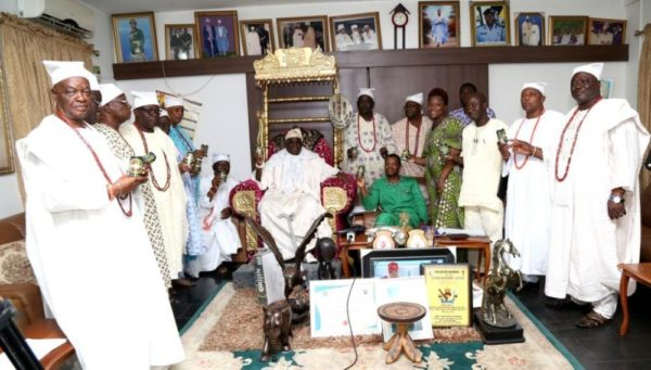 Orijin on Oba Visitation - Bellanaija - January2015014
