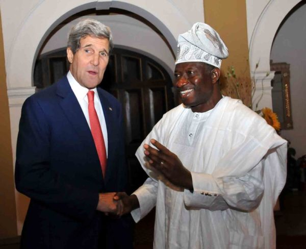 PIC.10.  PRESIDENT JONATHAN RECEIVES U.S SECRETARY OF STATES IN LAGOS