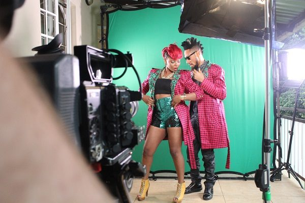 Yemi Alade - Taking Over Me [Video Shoot] (10)_1