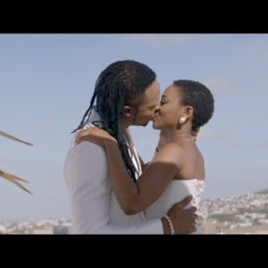 Flavour & Chidinma Kissing In Oloufe Video