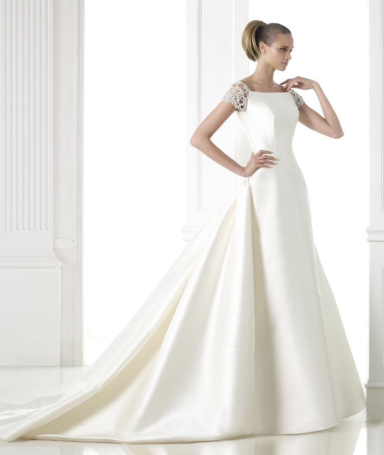 Pronovias Atelier Collection 2015 - CHALICCE_B