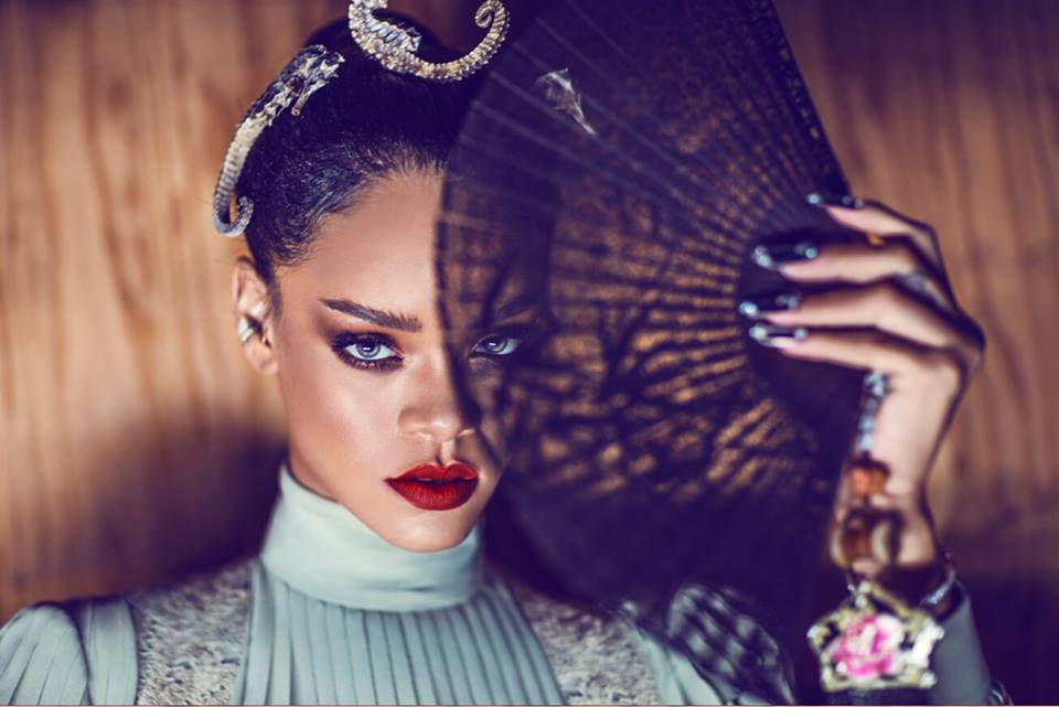 Rihanna-Harpers-Bazaar-China-Photo BN 5