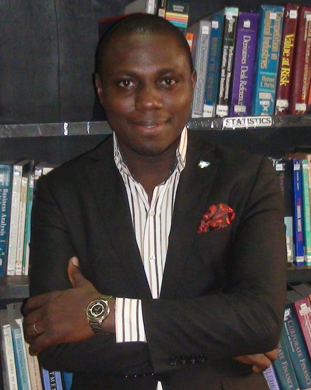 Fola Daniel Adelesi