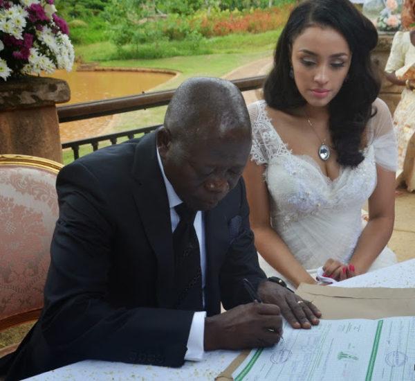 Wed Oshiomhole-And-His-Wife-Iara-
