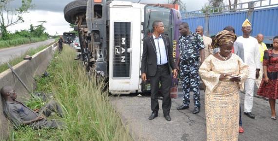 Ogun State deputy governor, Yetunde Onanuga Helps Accident Victim BellaNaija