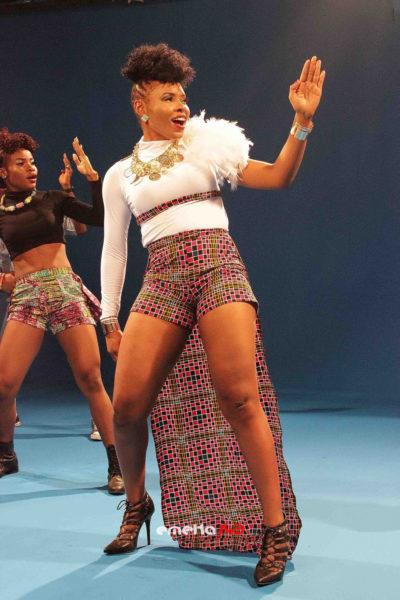 Yemi Alade - Pose B-T-S (14)