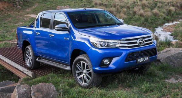 2016-Toyota-Hilux 1