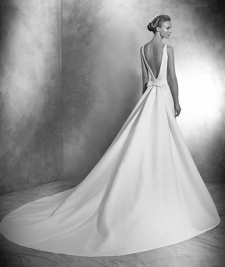 Atelier Pronovias-2016-Wedding Dresses-BellaNaijaVENIA_C