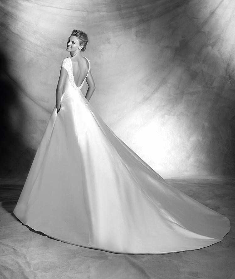 Atelier Pronovias-2016-Wedding Dresses-BellaNaijaVIVIEN_C