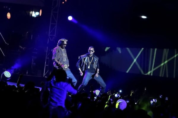 Dbanj and Snoop Lion performing at the MTV Africa All Stars concert in Durban, SA (5)