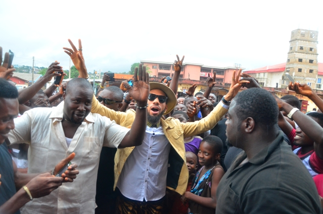 Made of Black Fans having fun with Phyno