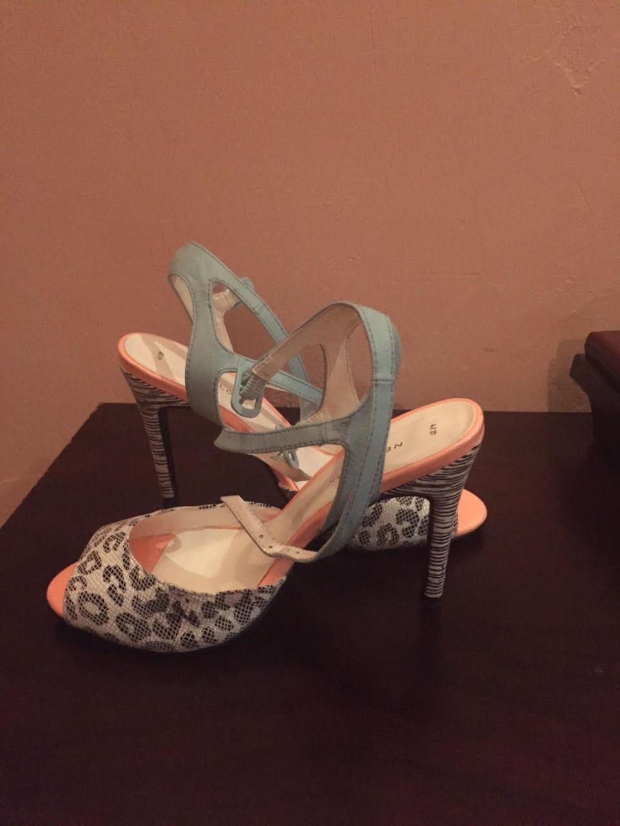 Seyifunmi Ajanaku on Finding the Right Shoes - Bellanaija - August011