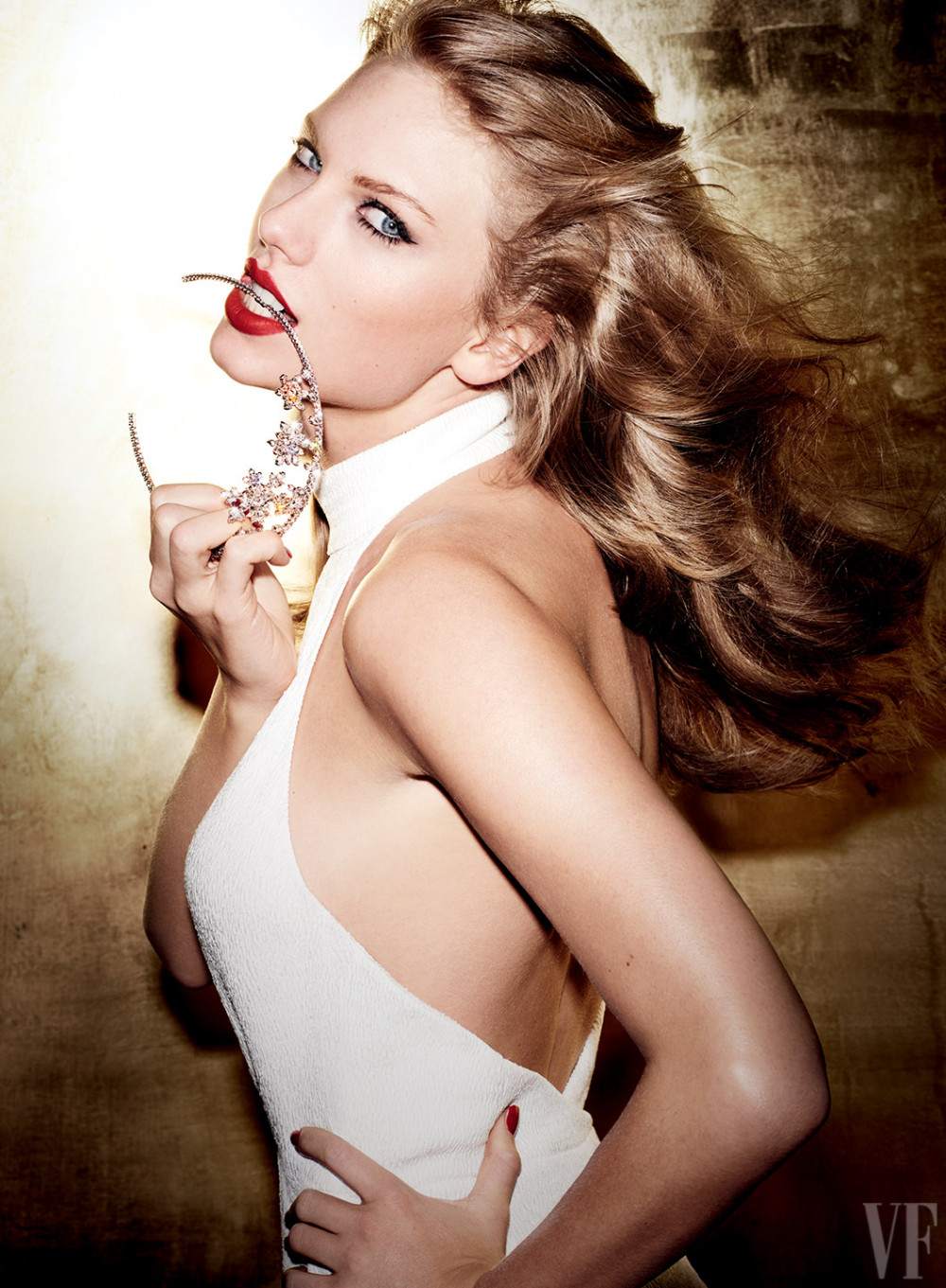 Taylor Swift Looks Different And Gorgeous On The Cover Of Vanity Fairs -2994